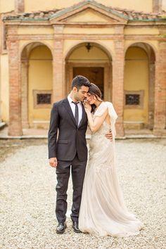 Dramatic and Romantic Bridal Portraits at an Italian Villa | Mike Larson Photography | http://heyweddinglady.com/regal-italian-villa-shoot-destination-wedding/