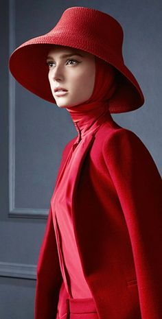 Ellassay.   #red #hats
