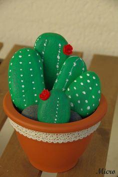 festival Rock Show Peinture sur galets cactus