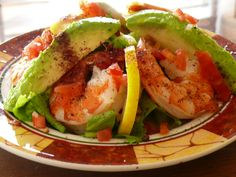 Benedict Garcia Buttery avocado, rich in healthy fat, combines with plump shrimp, crisp garden vegetables, and a tangy orange vinaigrette dressing that has just a hint of sweetness. Corn Salad Recipes, Corn Salads, Lobster Recipes, Seafood Recipes, Meat Recipes, Recipies, Quinoa, Low Calorie Smoothies, Lobster Salad