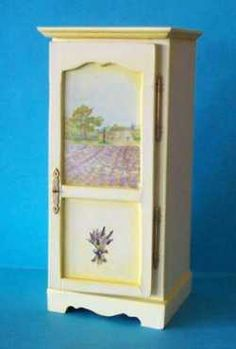 Cupboard tutorial including how to make the hinges and door handle