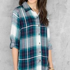 Francesca's Green button-down Stylish light-weight button down that is perfect for the upcoming spring weather! Francesca's Collections Tops Button Down Shirts