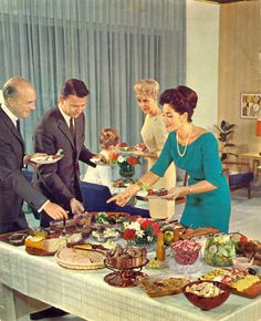 cocktail party teal blue cocktail dress sleeves sheath wiggle pearls hair mid century modern look vintage fashion style men's suits ladies house party buffet photo print ad Retro Vintage, Deco Retro, Photo Vintage, Vintage Love, Retro Party, 1960s Party, Vintage Party, Retro Recipes, Vintage Recipes
