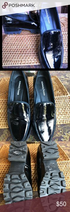 Ladies New Shiny Slip-On Black Patent School//Office Loafers With Gold Buckle