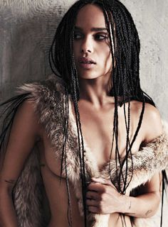 Nude and sexy photos of Zoë Kravitz. Zoe Kravitz is an American actress, singer and model. Her real name is Zoë Isabella Kravitz. Zoe Kravitz Bikini, Zoey Kravitz, Zoe Isabella Kravitz, Lenny Kravitz, Magazine Gq, Magazine Photos, Lisa Bonet, Modelos Fashion, Star Wars