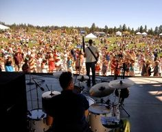 LOVE the free Summer Sunday concerts at the Les Schwab Amphitheater in Bend Oregon! I'll have to go to a few.