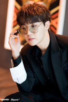 Dispatch x BTS: Billboard Music Awards J-hope (Hoseok) Gwangju, Bts J Hope, Foto Bts, Bts Photo, Jung Hoseok, Jungkook Jimin, Bts Bangtan Boy, Bts Vmin, Billboard Music Awards