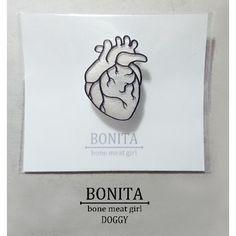 【BONITA】心臓ブローチ