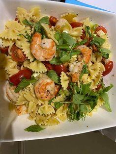 Καλοκαιρινή σαλάτα ζυμαρικών με απολαυστικές γαρίδες! Pasta Salad, Ethnic Recipes, Food, Crab Pasta Salad, Essen, Meals, Yemek, Eten