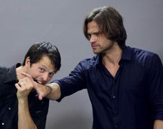 Jared just lets misha chew his hand... Awkward!