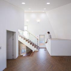 White Edge on Brick / Designband YOAP Architects