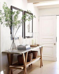 Entryway Styling for a Beautiful First Impression Amber Interiors Make a great first impression with entryway ideas for a functional & beautiful entry & foyer, including functional ideas for small spaces Home Decor Sale, Luxury Home Decor, Luxury Homes, Luxury Interior, Sweet Home, Entry Way Design, Foyer Design, Entrance Design, Amber Interiors