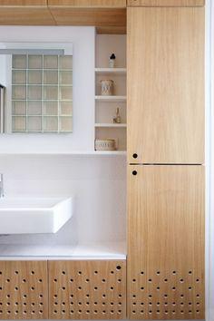 _Projet privé _12ème arrondissement de Paris _2015 Réaménagement d'une salle de bain et annexion des sanitaires sur le palier Programme du projet : Salle de bain/Sanitaires Projet : Modal...