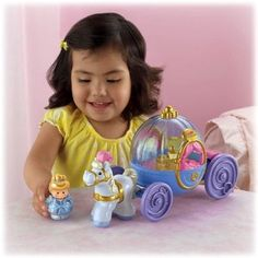 Amazon.com: Fisher-Price Little People Disney Princess: Cinderella's Coach: Toys & Games