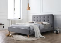 Pat tapitat Tiffany din catifea Velvet Grey #homedecor #interiordesign #inspiration #house #home #bedroom #bedroomdecor #decor #decoration #grey #velvet Bedroom Bed, Bedroom Decor, Tv Unit, Seattle, Velvet, Couch, Tiffany, Interior Design, Grey