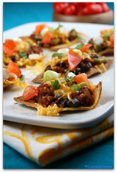 Weight Watcher's Nachos Supreme Recipe : perfect Happy Hour treat for those who are watching what they eat. Nutritional information and Weight Watcher's Points included.