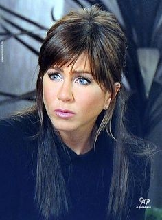 Jennifer Aniston pictures and photos Jennifer Aniston Horrible Bosses, Jennifer Aniston Friends, Jennifer Aniston Pictures, Jennifer Aniston Style, Jeniffer Aniston, John Aniston, Lob Hairstyle, Elegant Hairstyles, Her Hair