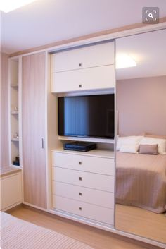 Bedroom Storage Ideas A nice bedroom room must be a chaos of the port of life, a place to relax and unwind. Bedroom Closet Design, Bedroom Wardrobe, Wardrobe Design, Bedroom Storage, Home Bedroom, Bedroom Furniture, Bedroom Decor, Bedrooms, Bedroom Modern