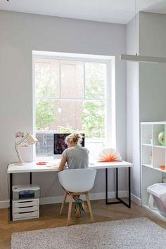 Scandinavian home office design with look simplicity elegance 14 – Ximplah Update Mesa Home Office, Home Office Space, Home Office Desks, Bedroom Office, Home Offices, Office Spaces, Small Office, Home Office Organization, Office Decor