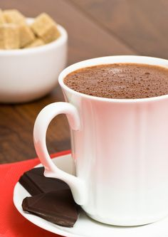 Hot Chocolate from scratch-used mexican vanilla and went ahead with the cinnamon and nutmeg. So yummy! Smoothie, Chocolate Caliente, Hot Chocolate Recipes, Frappe, Cocktail Drinks, Cocktails, Organic Recipes, Gluten Free Recipes, Free Food