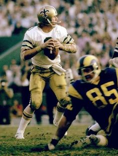 Happy 63rd birthday, Archie Manning. Great QB, better man.