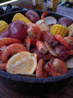 Labor-Free Labor Day Party Ideas: One Pot Seafood Boil Recipe Seafood Boil Party, Seafood Boil Recipes, Seafood Dishes, Fish And Seafood, Fish Recipes, Seafood Broil, Recipies, Cajun Dishes, Boiled Food