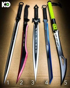 4 is beschte Anime Weapons, Fantasy Weapons, Weapons Guns, Pretty Knives, Cool Knives, Swords And Daggers, Knives And Swords, Cool Swords, Future Weapons