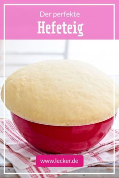 Yeast dough - this is how the basic recipe works DELICIOUS-Hefeteig – so geht das Grundrezept A Food, Food And Drink, Food Words, Food Items, Quiche, Stuffed Peppers, Dishes, Cooking, Basic Recipe