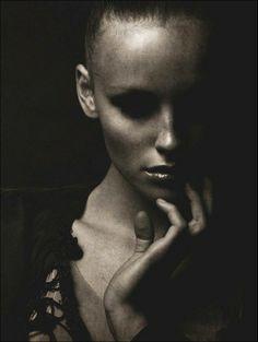 tomhoops12 Tom Hoops: Portraiting the dark side