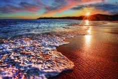 SANTORINI BEACHES Amazing Sunsets, Beautiful Sunset, Amazing Nature, Beautiful Beaches, Beautiful Scenery, Mr Right, Hot Beach, Sunny Beach, Big Sur