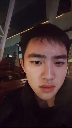 Pin by Christine Kim on Do Kyungsoo Kyungsoo, Chanyeol, Kaisoo, Korean Girl Band, Exo Couple, Boy Celebrities, Exo Lockscreen, Exo Do, Do Kyung Soo