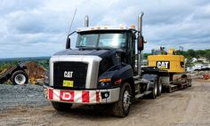 #CatMachines are built to be hauled by #CatMachines #CT660