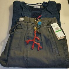 """Graphite Jessica Simpson Wyatt Crop Pants Large """"How cute and comfortable are these"""" Brand new with tags 27"""" inseam, 17.5"""" across the waist Drawstring with elastic waistband  Front: 2 zip pockets, back: 2 patch pockets Cotton Retails for $49 Color: Graphite ❌I Don't trade, sorry❌ If you have any questions please ask. Have an amazing day!  """"Great Sense of Style"""" Jessica Simpson Pants Ankle & Cropped"""