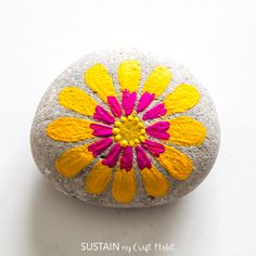 , Scatter touches of colour and cheer throughout your home and garden with these easy flower painted rocks inspired by blooms. Simple step-by-st. , Colourful and Cheerful Flower Painted Rocks Rock Painting Patterns, Rock Painting Designs, Paint Designs, Painting Tutorials, Pebble Painting, Pebble Art, Stone Painting, Garden Painting, Easy Flower Painting