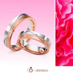 Twee kleuren ★ twee oppervlaktebewerkingen ★ twee voegen ★ samen in één ring.  💕 Het perfecte symbool voor de verbintenis van twee mensen voor de eeuwigheid!  www.123gold.nl/artikel/M-1195-3.html  #WeddingWednesday