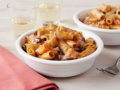 Roasted butternut Squash Chili Mac Recipe : Rachael Ray : Food Network - with home made cheese sauce and kidney beans served casserole style