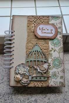 Diseños de ajendas artistico . Scrapbook Journal, Scrapbook Albums, Scrapbook Cards, Scrapbooking, Notebook Covers, Journal Covers, Book Projects, Crafty Projects, Altered Composition Notebooks
