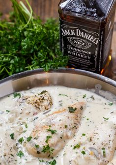 Chicken in Jack Daniels Cream Sauce - Frikassee Food Dishes, Main Dishes, Jack Daniels Chicken, Good Food, Yummy Food, Grilled Meat, Coco, The Best, Chicken Recipes