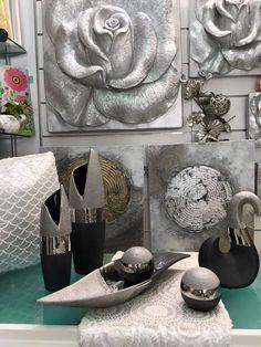centros, jarrones en plata y negro en www.virginia-esber.es