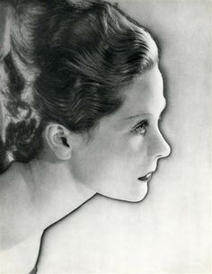 Man Ray: Portrait de la Princesse Paley (solarisation) c. 1937.