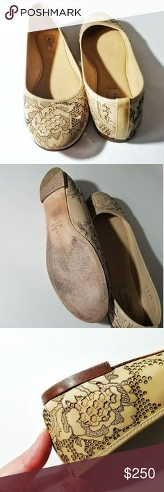 Valentino Flats Nude Patent Leather Laser Cut 11 Gorgeous Valentino patent leather nude flats with laser cut outs to resemble lace.  So beautiful!  Size 41 or 11, but see measurements.  Excellent condition. Faint marker on one sole. Smoke free and pet friendly home <3. Valentino Shoes Flats & Loafers