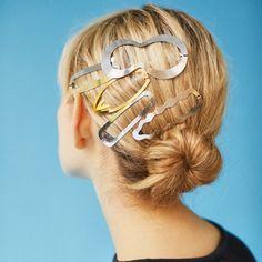 ロンハーマンのアクセサリーコレクションで春モードのスイッチをON | 【GINZA】東京発信の最新ファッション&カルチャー情報 | FASHION Beauty Care, Hair Beauty, Hair Arrange, Hair Setting, 90s Hairstyles, Hair Slide, Crazy Makeup, Hair Band, Makeup Inspiration