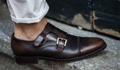 """Conheça o sapato que virou tendência nos dias atuais, o """"Monk Strap""""."""