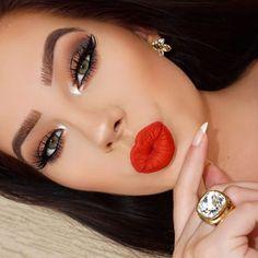 Beth Bender Beauty is the creator of Eyeliner Stencils & Eye Makeup Stencils. We make makeup easy. Red Lips Makeup Look, Subtle Makeup, Smokey Eye Makeup, Glam Makeup, Makeup Looks, Hair Makeup, Gatsby Makeup, Cat Eyeliner, All Things Beauty