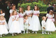 Gran despliegue de niños y niñas para la gran boda. Boda elegante, elegant wedding