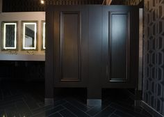 Ironwood Manufacturing zero sightline bathroom doors with molding and high privacy toilet partitions. Beautiful, clean, continuous look for public restroom stall.