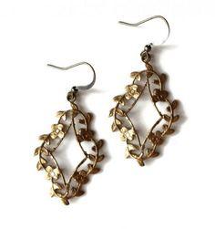 Wonderful vintage earrings.