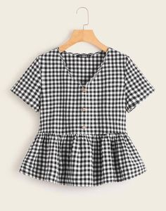 Button Front Plaid Smocked Top Check out this Button Front Plaid Smocked Top on Shein and explore more to meet your fashion needs! Casual Outfits, Cute Outfits, Fashion Outfits, Summer Shirts, Summer Blouses, Cute Tops, Romwe, Blouses For Women, Women's Blouses