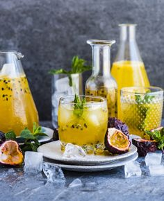 Passion Fruit Champagne Drinks – Cocktails and Pretty Drinks Fruit Champagne, Cocktails Champagne, Summer Cocktails, Disaronno Cocktails, Prosecco Drinks, Cocktail Drinks, Sumo Natural, Base Foods, Refreshing Drinks