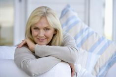 Guidelines for How to Do Makeup for Women in Their 50s